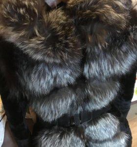 Шуба мутоновая с мехом чернобурки