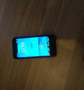 Телефон (смартфон) fly qi4415 quad