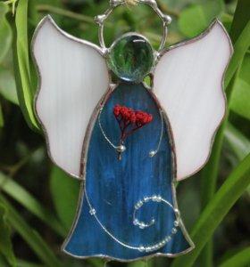 Ангелок из цветного стекла