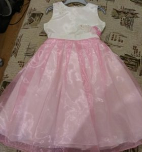 Платье празднисное