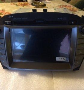Штатная магнитола на ix35 с люксовой комплектации