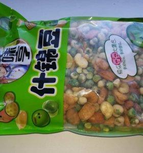 Бобово-ореховые смеси в упаковках 140 и 280 гр.