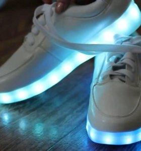 Светящиеся кроссовки K$P
