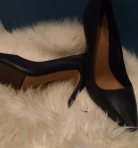 Новые кожаные туфли Esprit 37