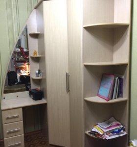 Шкаф угловой большой вместительный