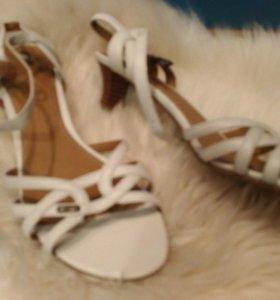 Esprit новые кожаные туфли 37
