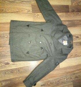 Шерстяное пальто на мальчика