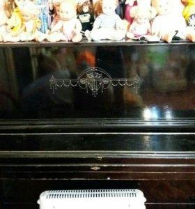 Пианино. В хорошем состоянии...
