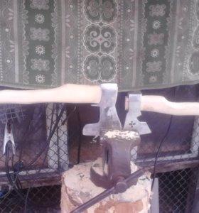 топоры сделаны из кованых топоров