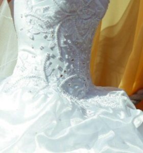 Платье свадебное(фата в подарок)