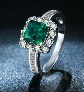Серебрянное кольцо с зеленым агатом