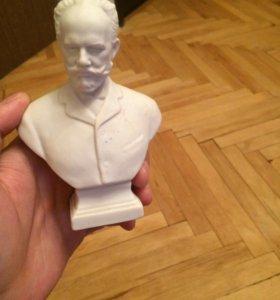 Бюст Чайковского гипс