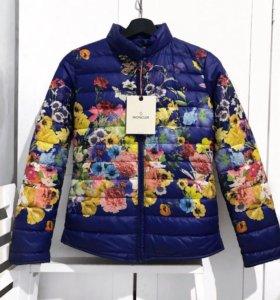 Новая куртка Moncler.