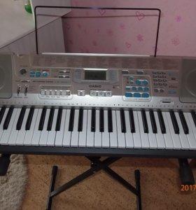 Продам новый синтезатор Casio LK-300TV
