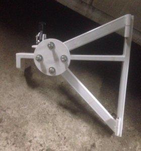 Кронштейн для запасного колеса на Lada Largus