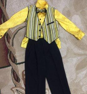 Костюм для мальчика 4-5 лет