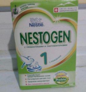 Сухая молочная смесь Nestogen1