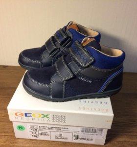 Новые ботинки Geox 26 ,  27 размер