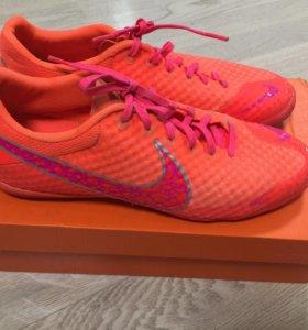 Футзалки, кеды Nike
