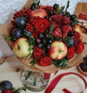 Букеты, корзины коробки с фруктами и овощами