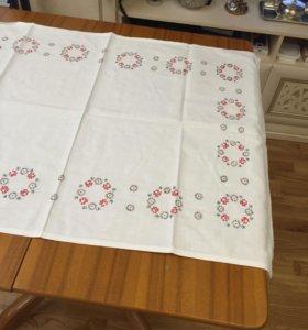 Скатерть-салфетка чайная с ручной вышивкой