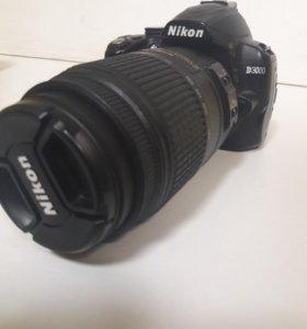Nikon D3000 в хорошем состоянии