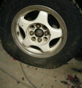 Продаю литье с резиной Dunlop sp winter ice 02