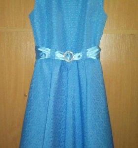 Нарядное платье 40 размер