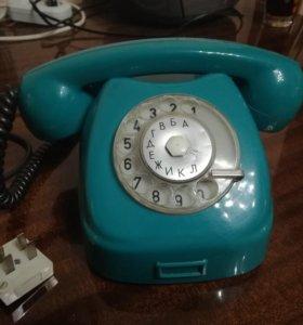 Дисковый телефон советских времен