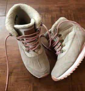 Зимние кроссовки- ботинки от Reebok