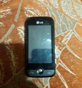 Телефон LG в рабочем состоянии