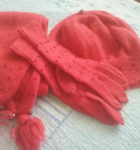 Комплект вязаный: шапка, шарф, перчатки