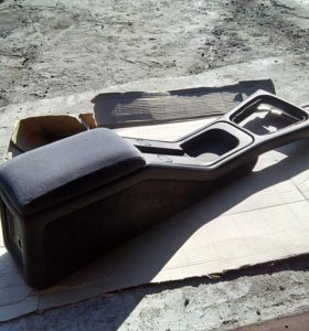 Подлокотник на Ford Scorpio 1