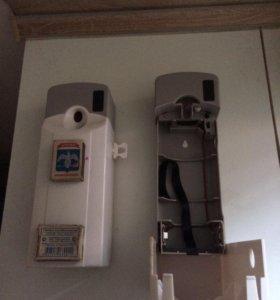 Диспенсер- распылитель освежитель воздуха