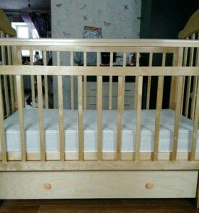 Детская кроватка с матрасом + подарки!!!