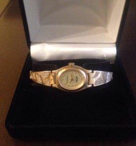 Золотые часы (585пр), вес 30 г.