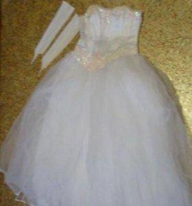 Свадебное платье с кринолином
