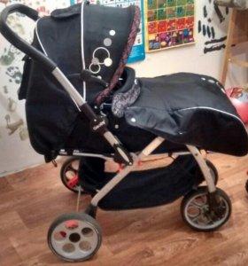 Детская коляска от рождения.