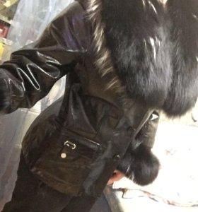Натуральная кожаная  куртка с мехом песца