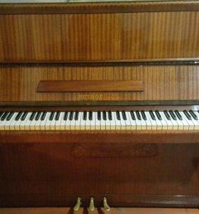 """Продаётся Пианино (фортепиано) """"Petrof"""""""