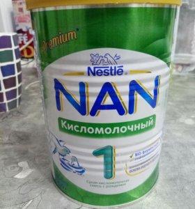 Смесь Nan кисломолочный 400 г.