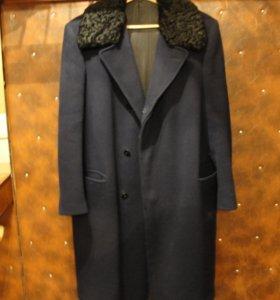 Старинное ретро-пальто