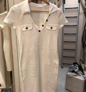 Платье белое трикотажное