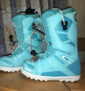 Ботинки для сноуборда 37,5