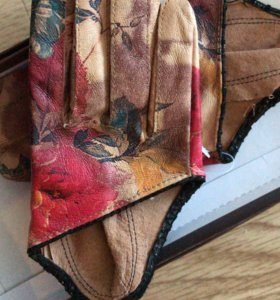 Перчатки новые короткие,  кожа цветные