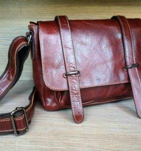 Оригинальная сумка из натуральной кожи новая