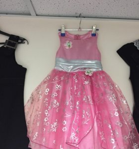Маленькое розовое платье. Новое.