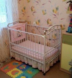 Детская кроватка (железная) возраст от 0 до 7 лет