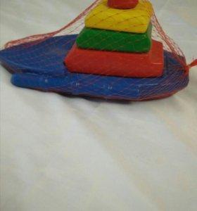 Плавающая пирамидка