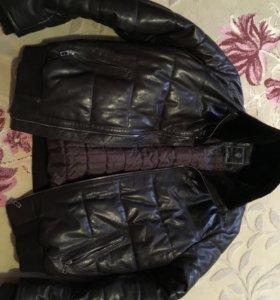 Кожаная куртка фирмы Gucci